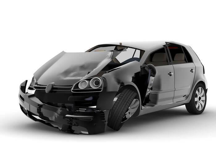 auto incidentata in carrozzeria